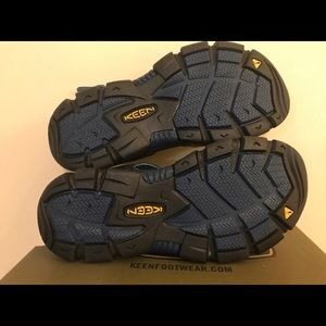 Keen Shoes - Keen sandals. Hiking sole. New in box. Size 7